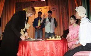 «Странная миссис Сэвидж» на Лиозненской сцене
