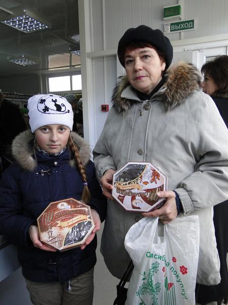 12 ноября состоялось открытие автостанции и магазина «Искра» в микрорайоне Школьный