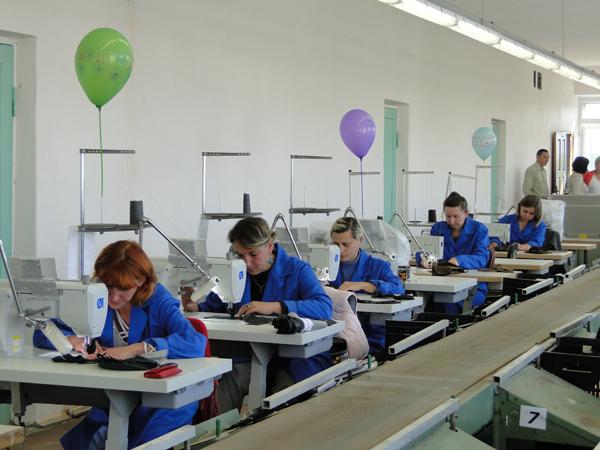 Состоялось официальное открытия цеха по пошиву обуви в Лиозно