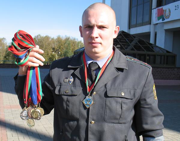 Дмитрий Германов награжден дипломом Международной конфедерации мастеров гиревого спорта