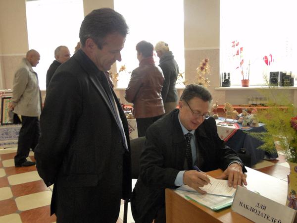 На избирательных участках Лиозненского района побывали международные наблюдатели