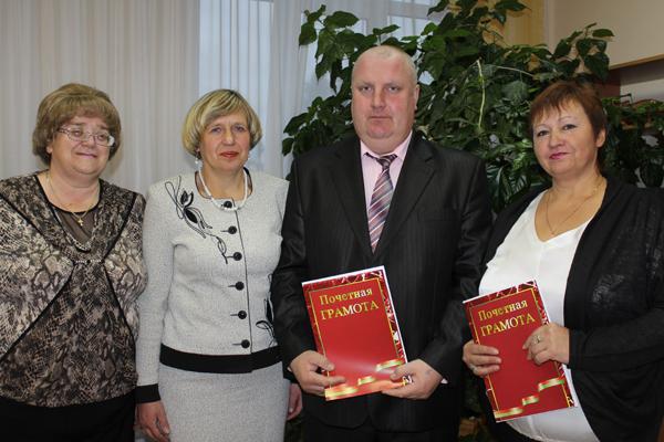 Медалью «За трудовые заслуги» награждена зоотехник Н. В. Пустогова