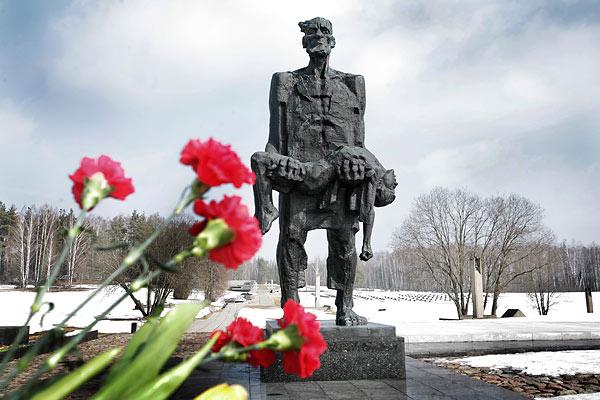 С экскурсией в город-герой Минск отправились школьники из Ковалей