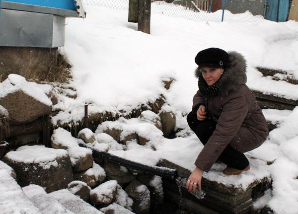 Где ж воды напиться? Пробы воды из различных источников водоснабжения взяли работники санитарной службы района