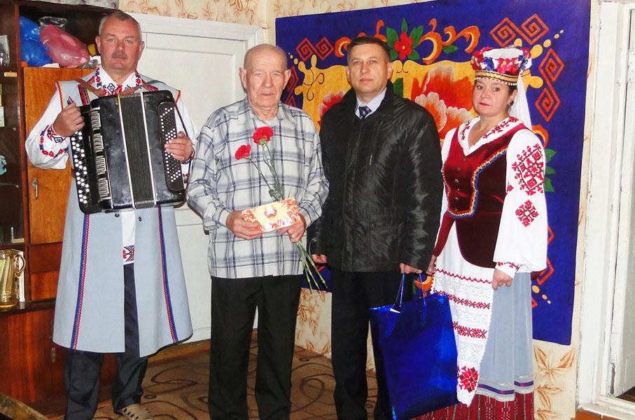 Лиозненских ветеранов поздравили накануне 73-й годовщины освобождения района от немецко-фашистских захватчиков