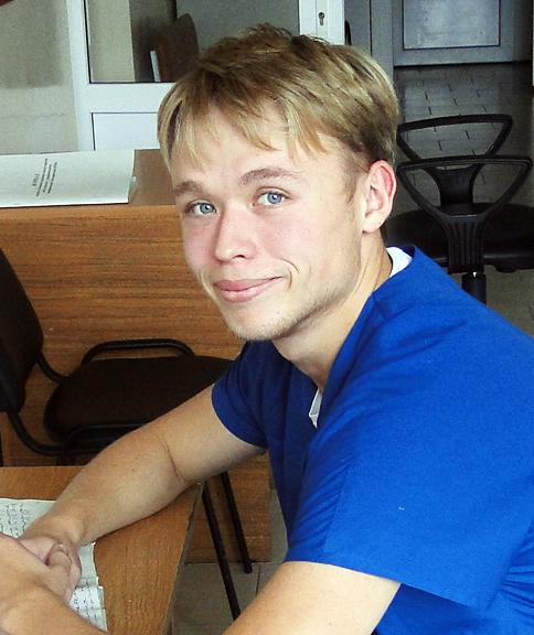 Молодой специалист  УЗ «Лиозненская ЦРБ», врач- реаниматолог А. И. Лапышев — заядлый КВНщик
