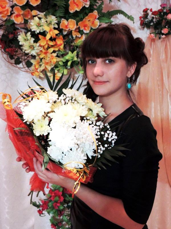 Молодой специалист Лиозненского РЦК М. П. Дедкова со сценой на «ты»