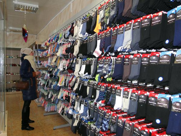 В Лиозненском обувном магазине появилась фирменная секция Брестского чулочного комбината