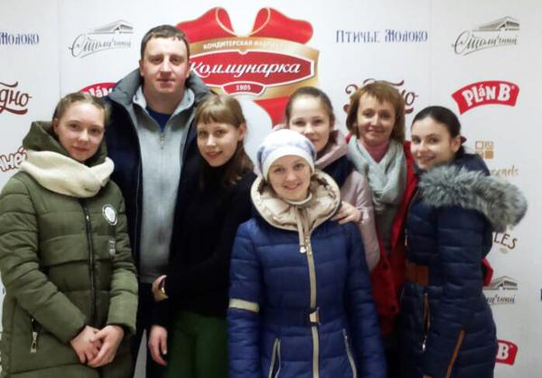 Ученики Крынковской школы посетили кондитерскую фабрику «Коммунарка» и мемориальный комплекс «Хатынь»