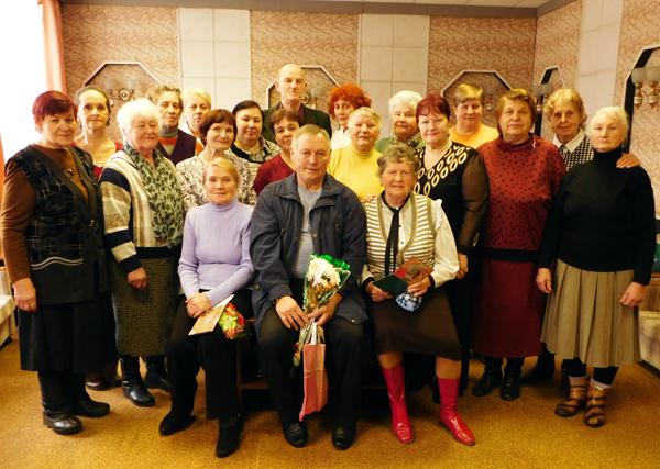 Удзельнікі лёзненскага клуба «Ветэран» адзначаюць дні нараджэння у калектыве