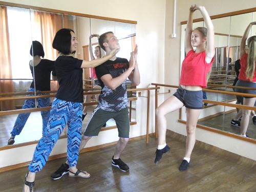 Участники проекта РЦК «Танцуй!» Ольга Гончарова и Кирилл Хованский: «Главное – справиться с волнением»