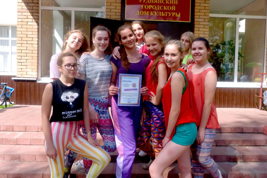 Лиозненские артисты выступили на фестивале «Руднянский хоровод»