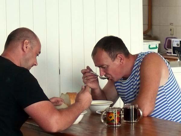 Горячие обеды для механизаторов СФ «Клевцы»