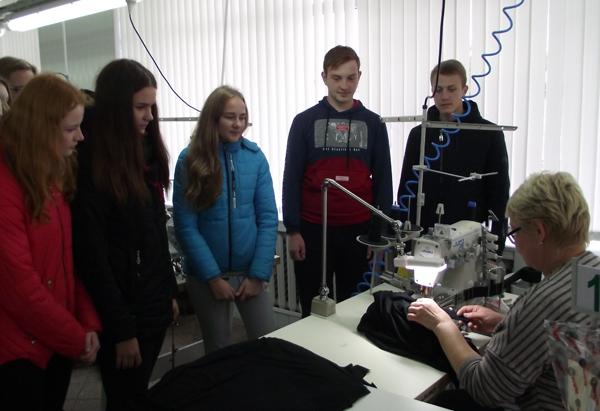 Молодёжная палата при Лиозненском районном Совете депутатов познакомилась с работой предприятий