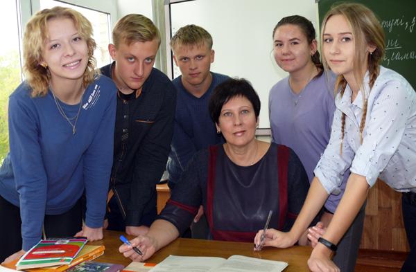 Грамотой Министерства образования Республики Беларусь награждена учитель СШ № 1 г.п. Лиозно И. П. Зайцева