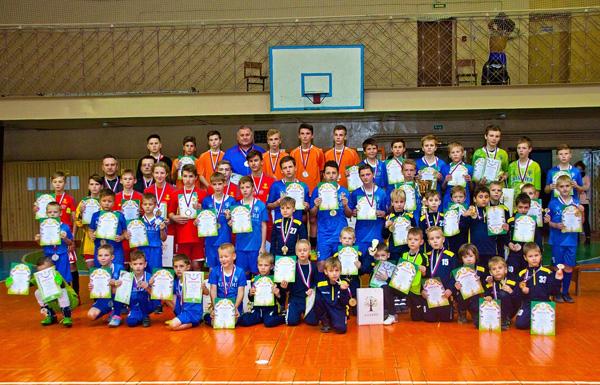 Лиозненские юные футболисты привезли два кубка из Пустошки