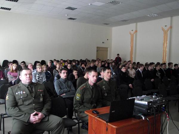 Встреча с представителями Военной академии Республики Беларусь в СШ №1 г.п. Лиозно