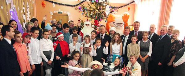 Новогодний праздник в Лиозненском СПЦ и центре коррекционно-развивающего обучения и реабилитации «Радуга»