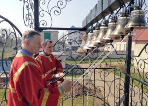 В храме Воздвижения Креста Господня г.п. Лиозно были установлены колокола