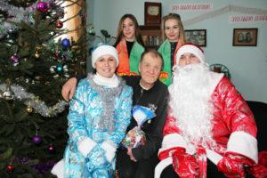 Отделение круглосуточного пребывания для пожилых людей и инвалидов аг. Бабиновичи поздравили с Новым Годом