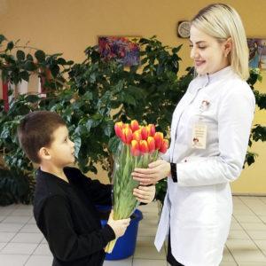 Дарите женщинам  цветы…