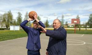 Учитель физической культуры Александр Столяров занесён на Лиозненскую районную Доску Почёта