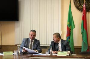 Приём граждан и прямую линию в Лиозно провёл помощник Президента Анатолий Линевич