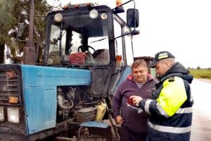 Сотрудники отдела ГАИ Лиозненского РОВД, проводят рейдовые мероприятия «Внимание! Самоходные машины и тракторы! «